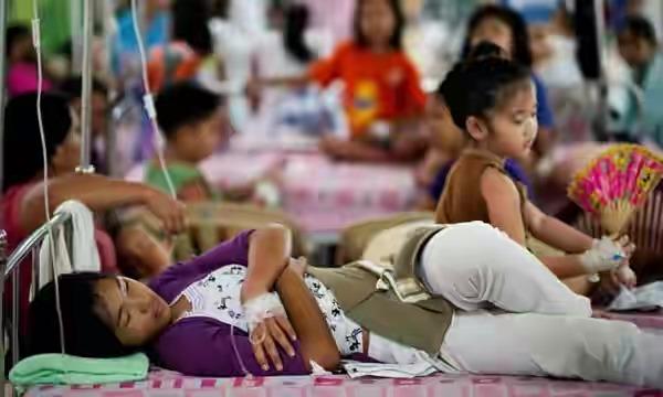 ফিলিপাইনে ডেঙ্গুতে ৪৫৬ জনের মৃত্যু, জাতীয় সতর্কতা জারি