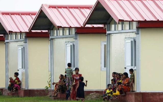 রোহিঙ্গাদের জন্য রাখাইনে বানানো ২৫০ ঘর হস্তান্তর করল ভারত