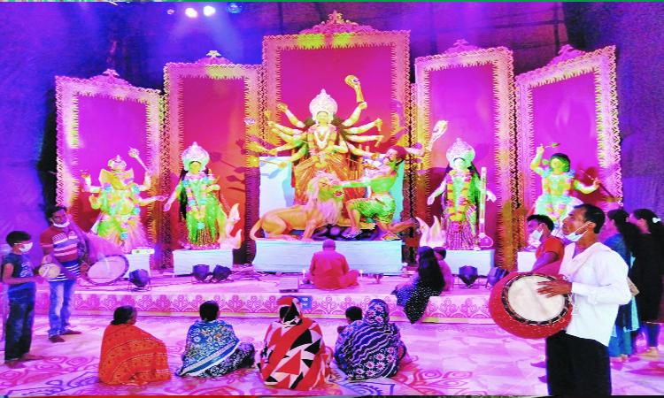 আজ মহাসপ্তমী, শারদীয় দুর্গোৎসব শুরু